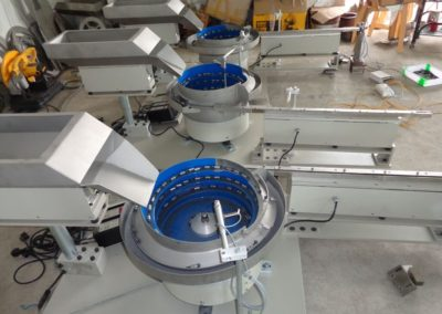 Vibratory Bowl with Hopper and Linear Feeder